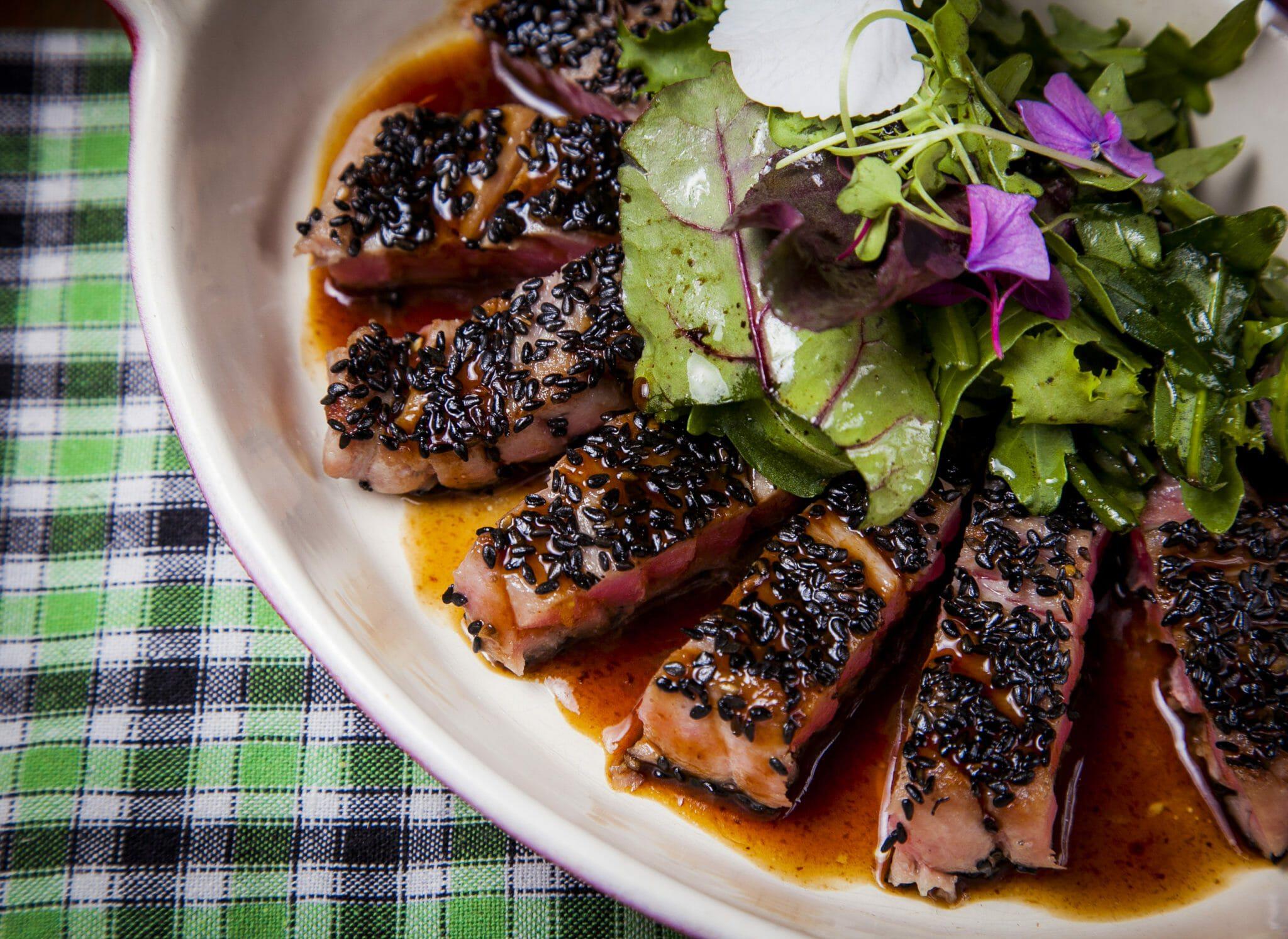 тунец счерносливом